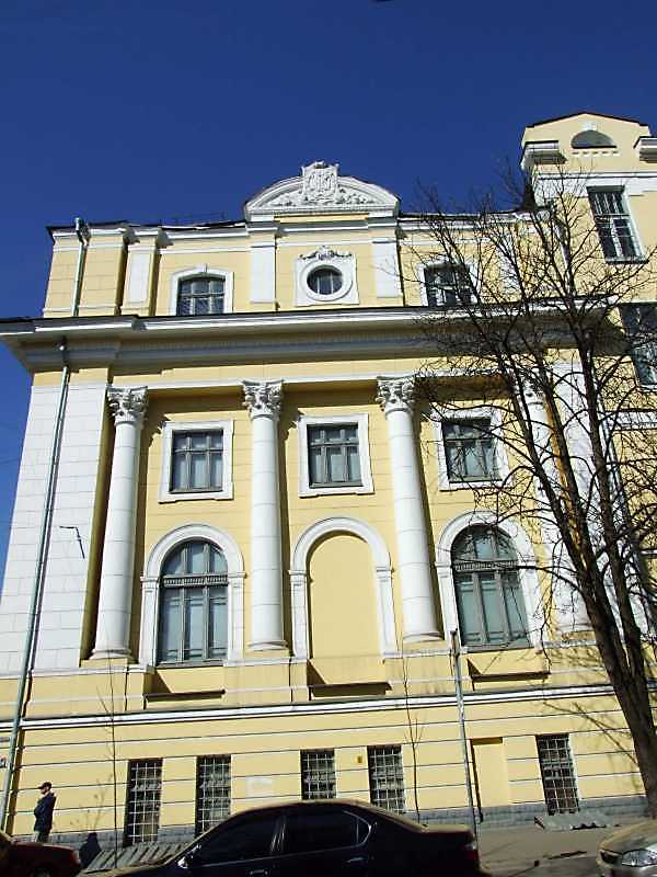 2009 р. Фасад по вул. І.Франка