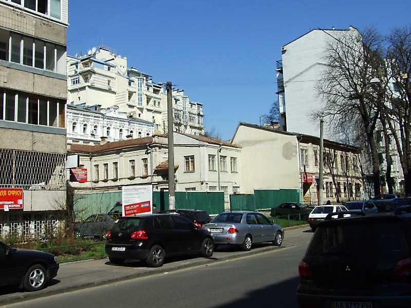 2009 р. Загальний вигляд будинків № 28, 26