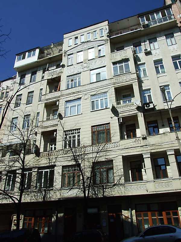 2009 р. Головний фасад (30а)