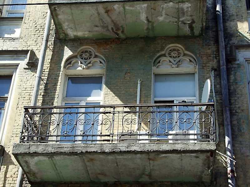 Вікна 3-го поверху з балконом