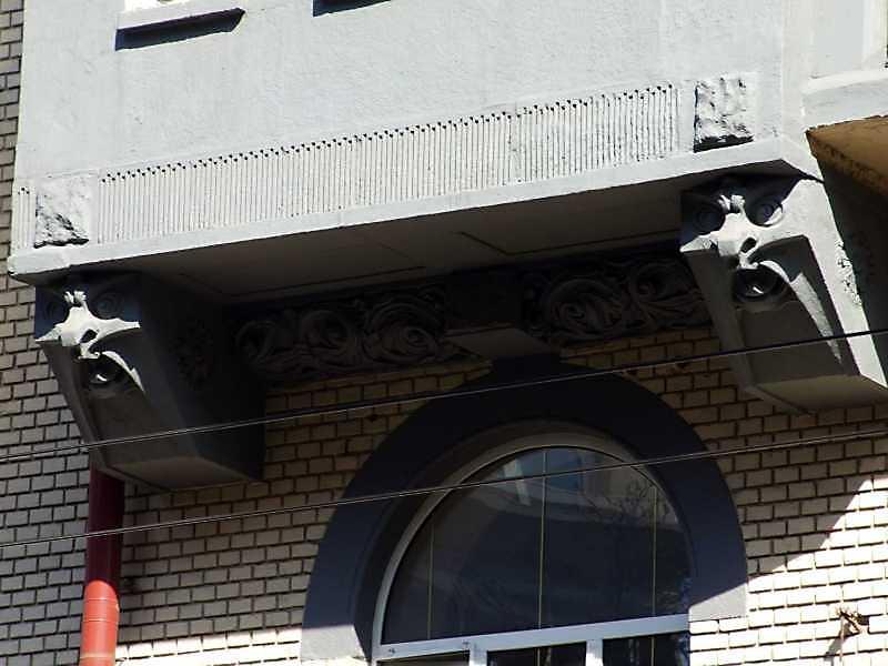 Консолі балкону 3-го поверху