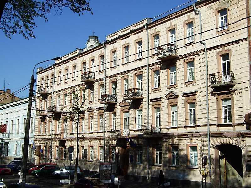 Житловий будинок з історією (№ 11)
