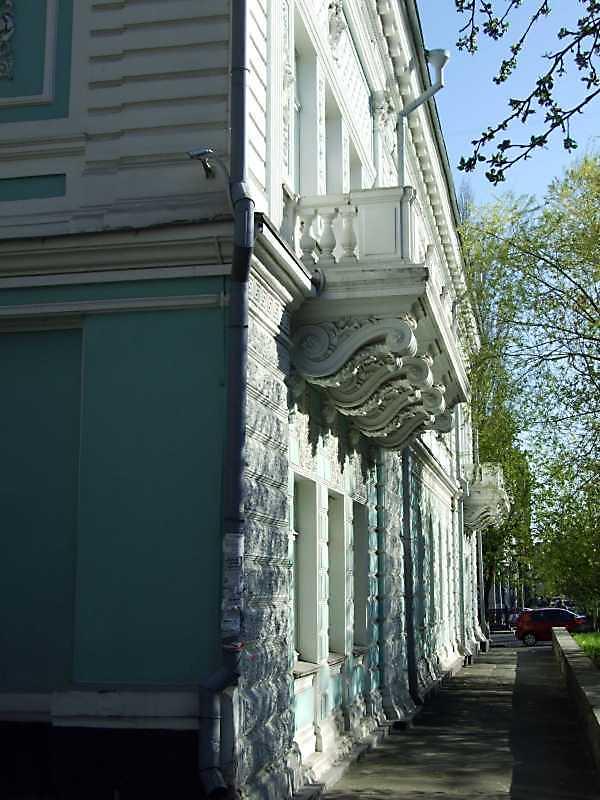 2009 р. Фасад по вул. Терещенківській у ракурсі