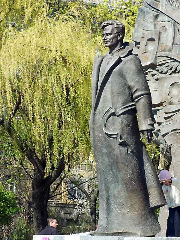 Пам'ятник Г.Гонгадзе
