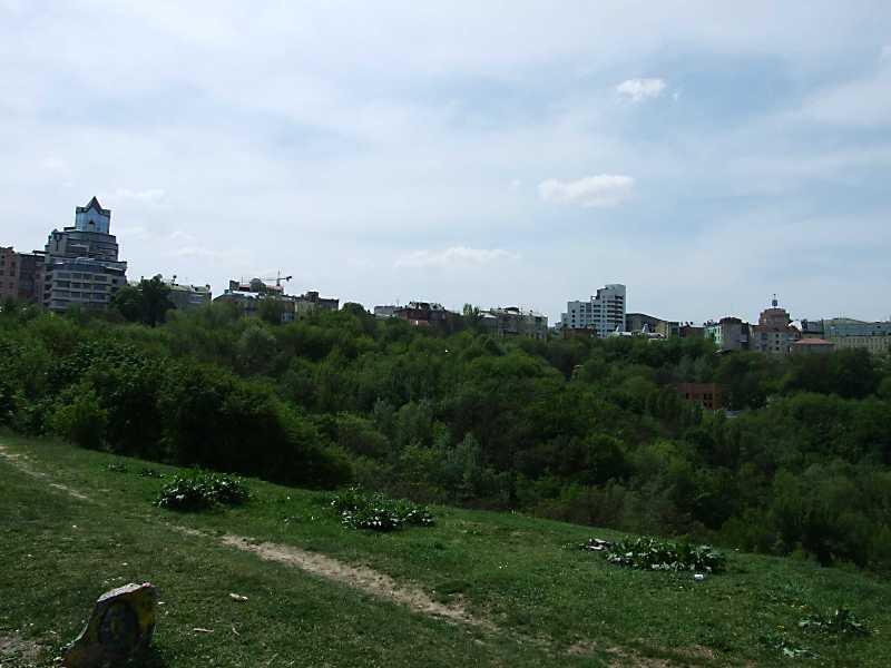 Вул. Велика Житомирська (зліва - № 22)