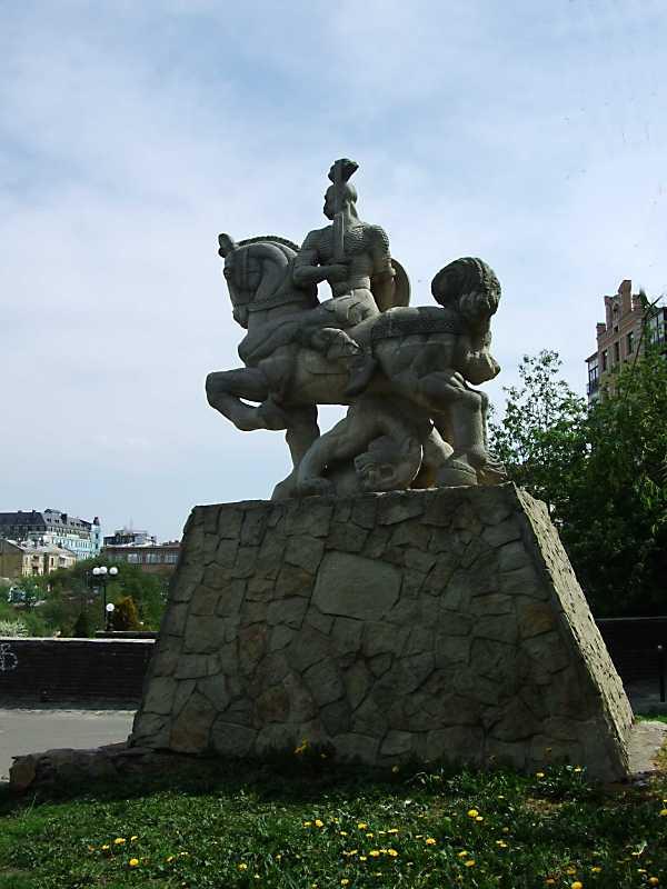Пам'ятник князю Святославу (№ 22, у…