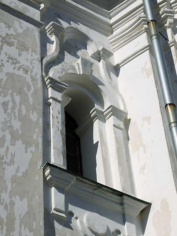 Східний фасад. Вікно 2-го ярусу