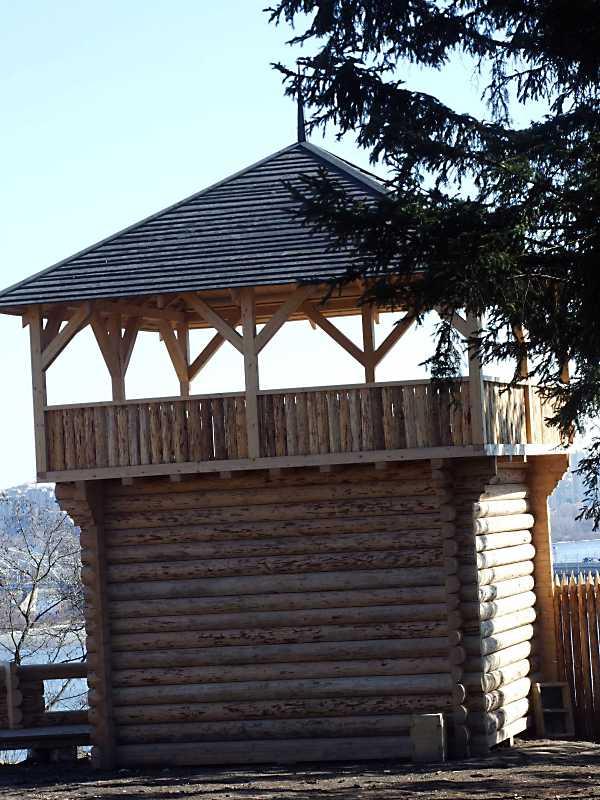 2011 р. Башта. Вигляд із заходу
