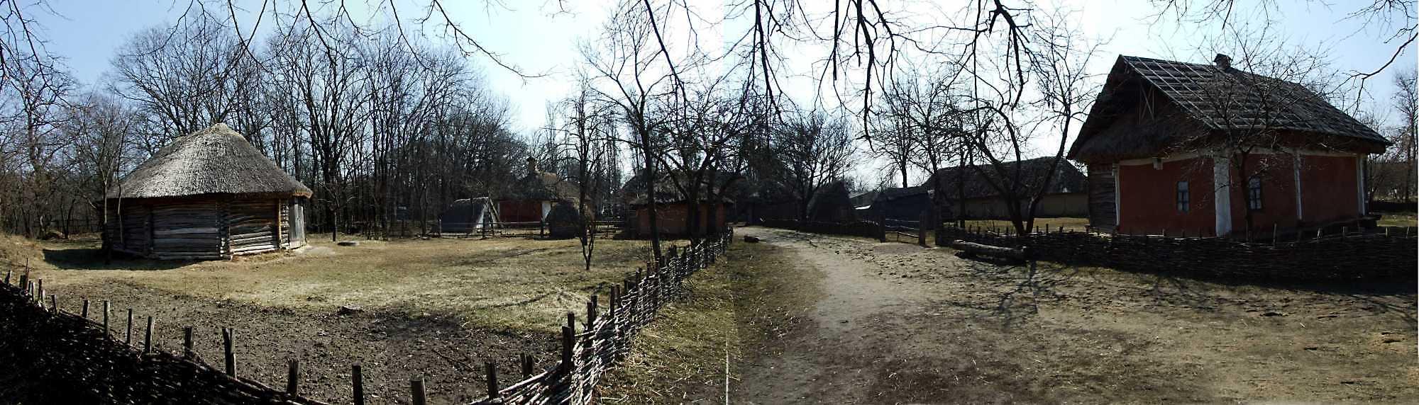 2011 р. Панорама садиби 2, вулиці і садиби 1