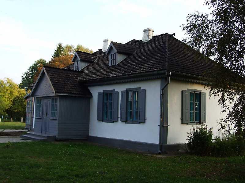 Сірий будинок