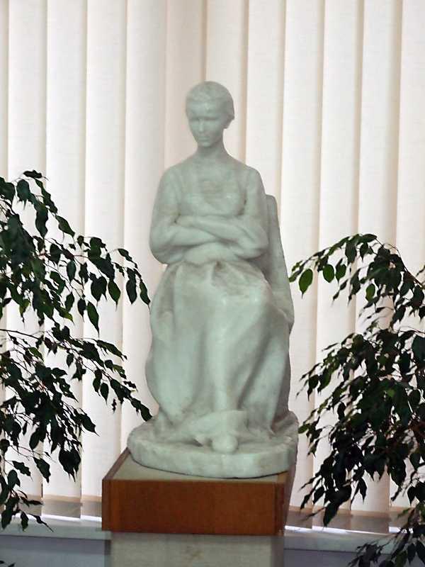 Скульптура Лесі Українки (4)