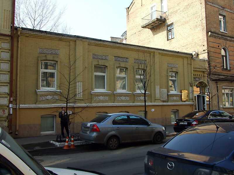 Житловий будинок з історією (№ 19б)