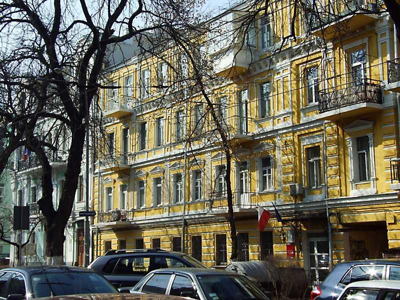 2012 р. Фасад по вул. Леонтовича