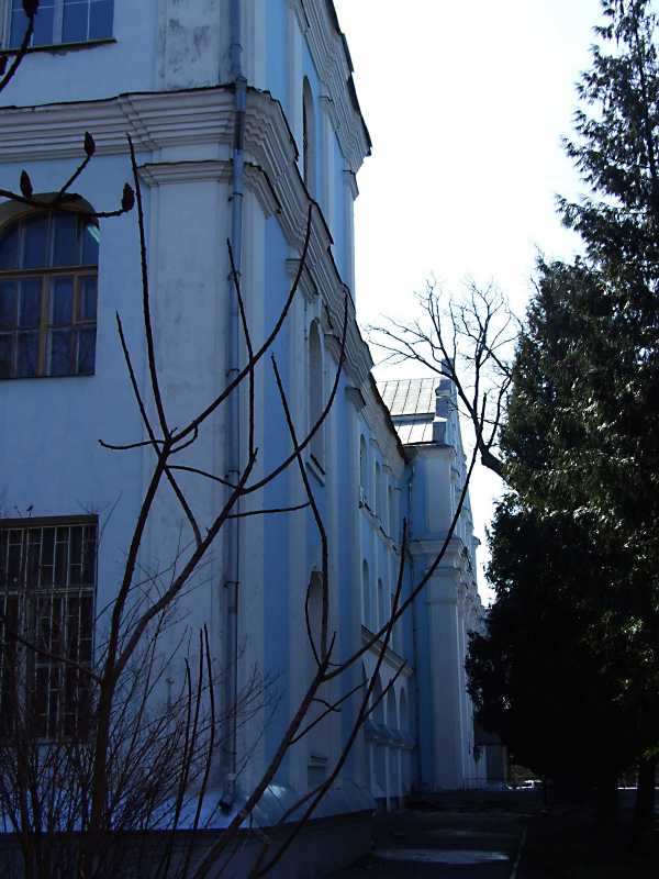 2012 р. Головний фасад у ракурсі. Вигляд з півночі