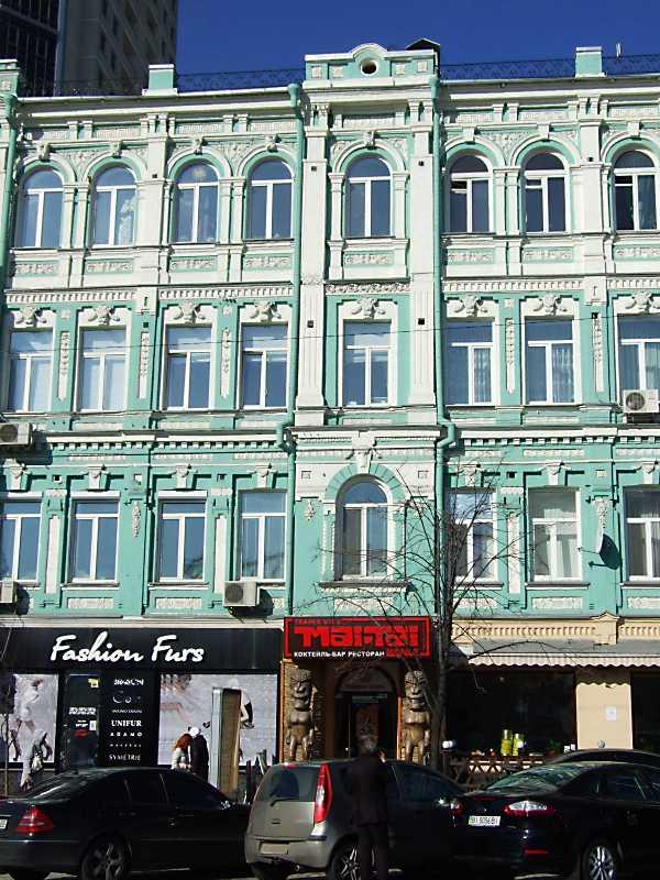 2012 р. Права частина головного фасаду