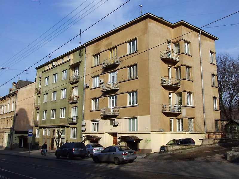 2012 р. Житлові будинки № 31, 33