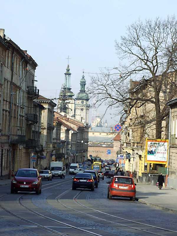 2012 р. Перспектива від вул. Чехова в бік Митної площі