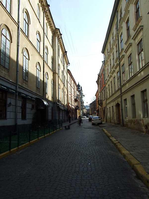 2012 р. Перспектива від вул. Театральної в бік вул. Краківської