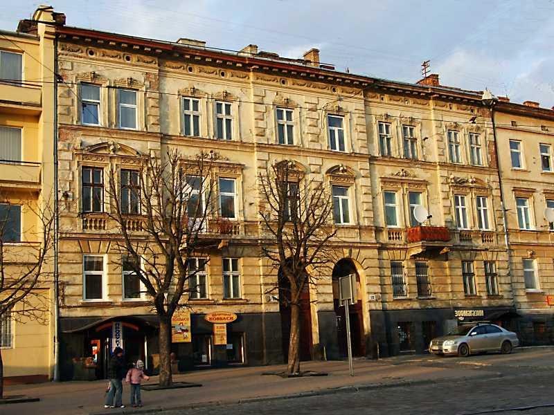 Житлові будинки (№ 111 – 113)