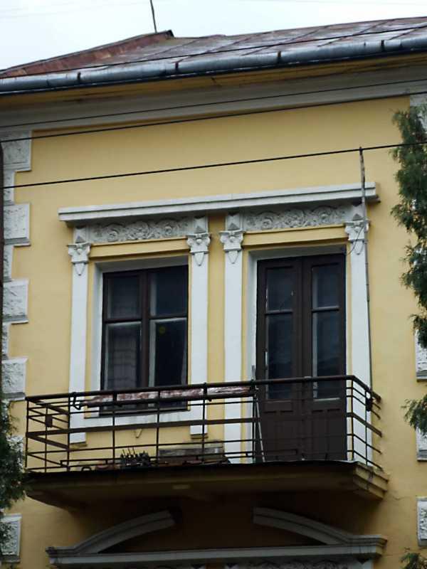 2012 р. Вікно і балкон 2-го поверху