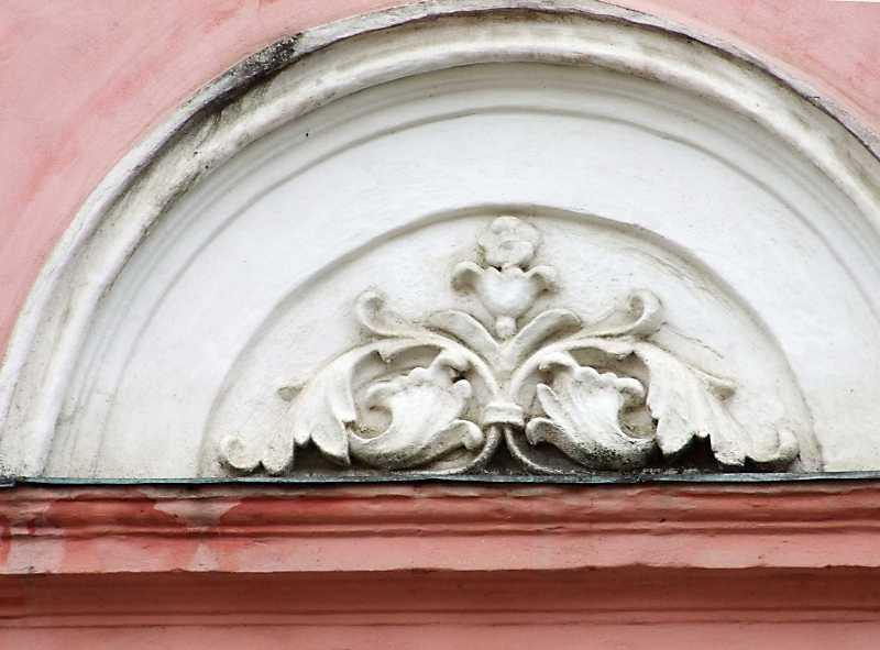 Тимпан декоративної арки