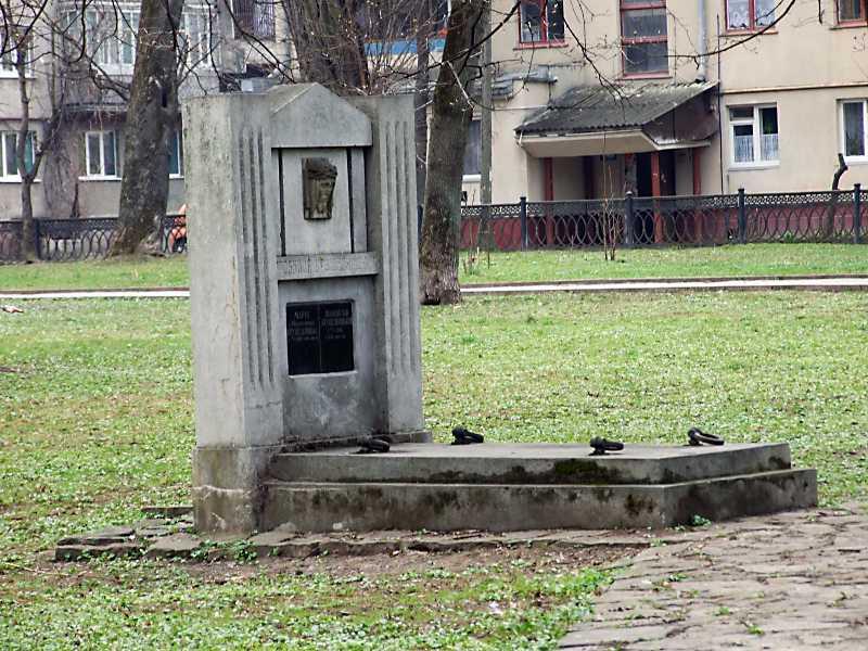 Гробниця Крушельницьких