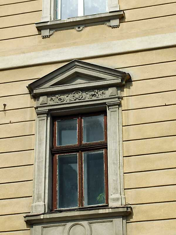 Вікно 2-го поверху (2)