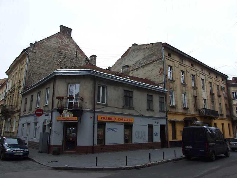 2012 р. Будинки № 18, 16