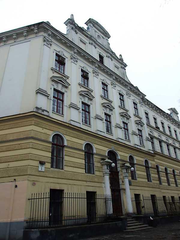 2012 р. Фрагмент фасаду по пл. Св. Юра