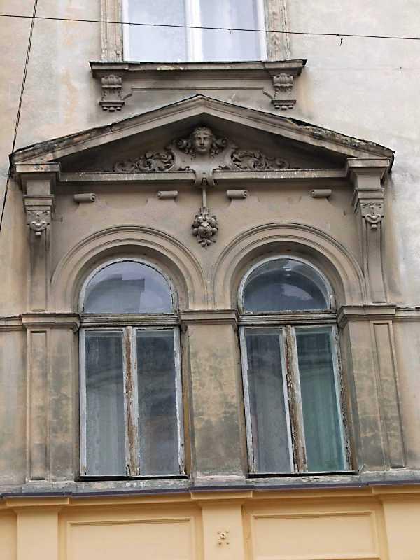 2012 р. Вікна 2-го поверху