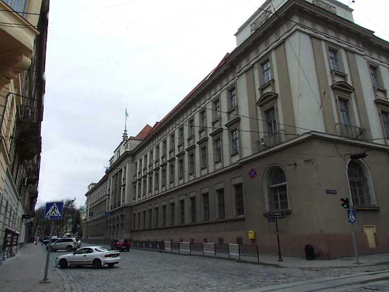 Фасад по вул. Словацького