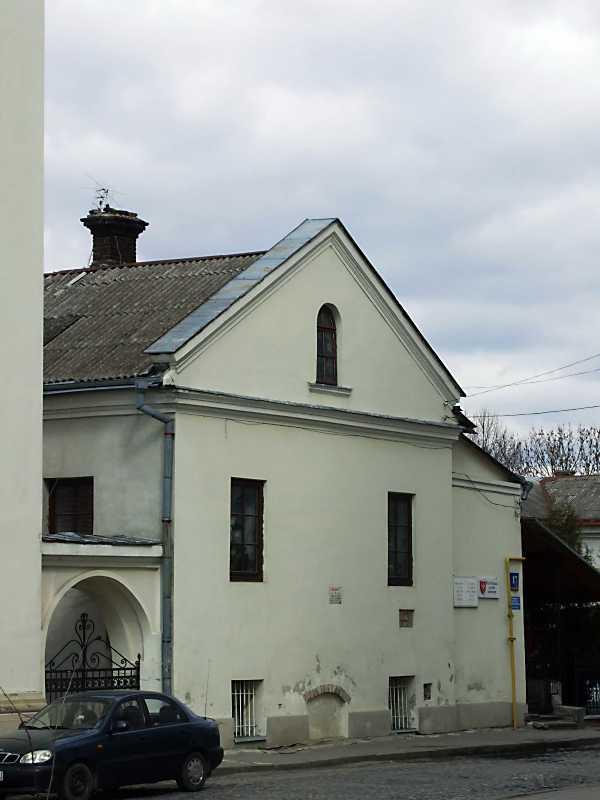 2012 р. Торцевий фасад західного крила. Вигляд з південного заходу