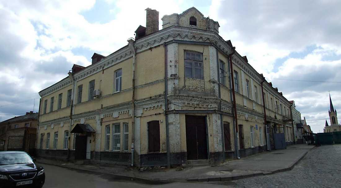 Гостиний двір (№ 4)
