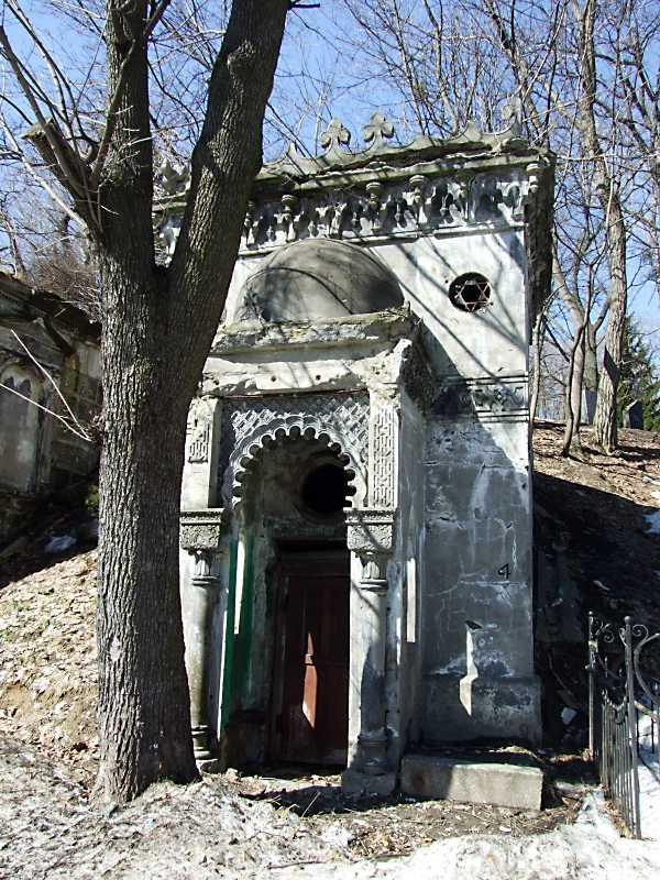 Каплиця-гробниця у мавританському стилі