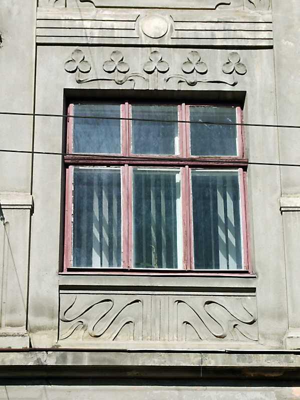 2013 р. Сецесійне вікно 2-го поверху