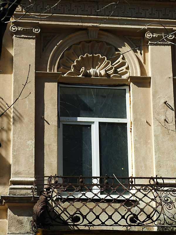 2013 р. Вікно 2-го поверху