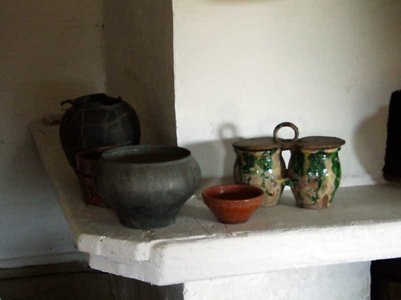 2013 р. Посуд на припічку