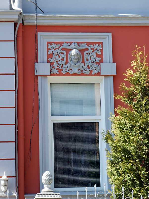 Вікно 1-го поверху