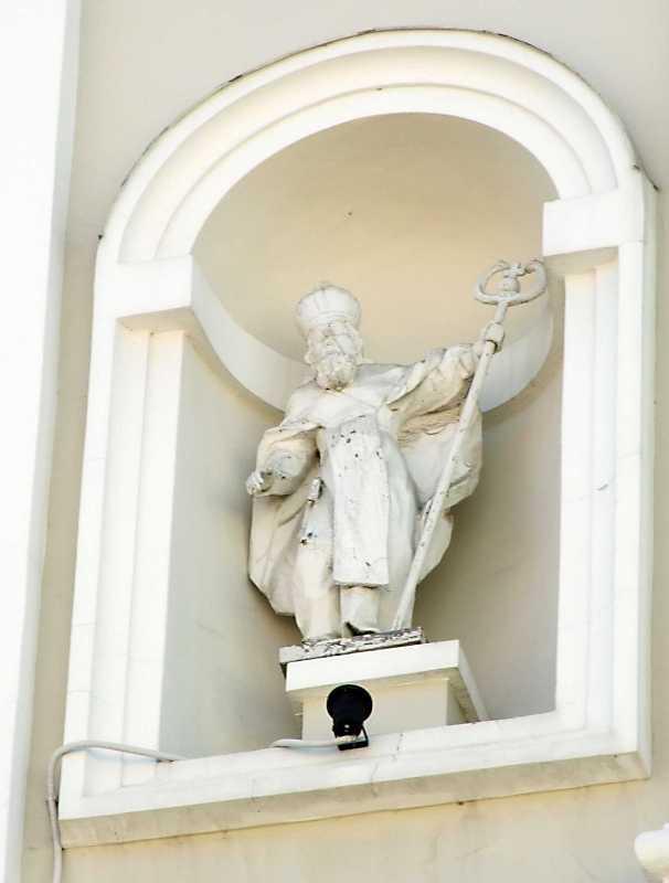 Скульптура пророка у лівій ніші…