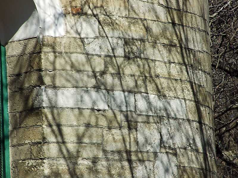 Фрагмент мурування вівтаря