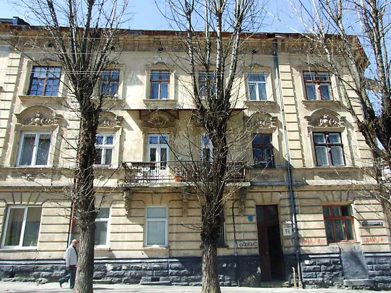 2013 р. Фасад по вул. Б. Хмельницького
