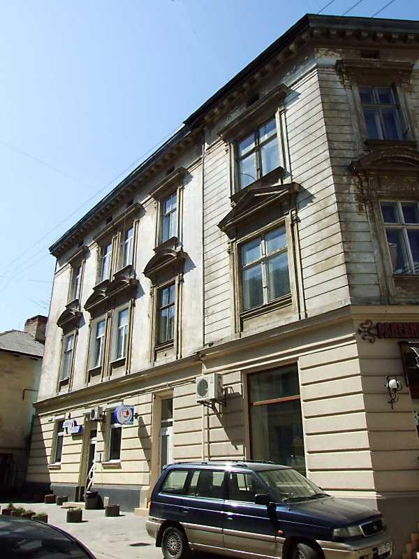 2013 р. Фасад по вул. Різьбярській