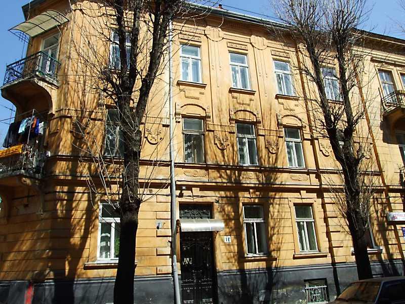 2013 р. Фасад по вул. Богомольця