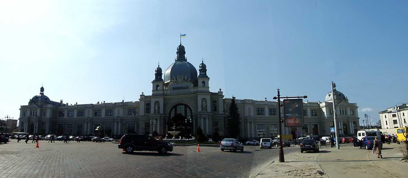 2013 р. Панорама головного фасаду
