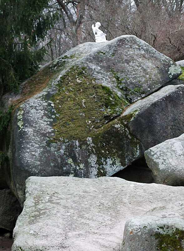 2015 р. Скелі та скульптура Ерота
