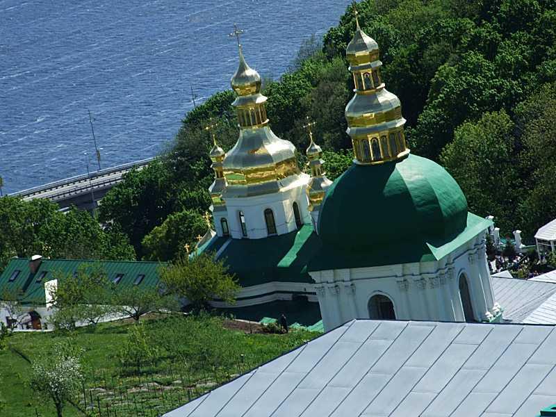 Церква Воздвиження та дзвіниця