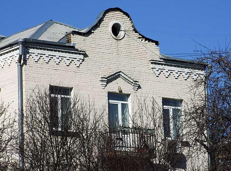 2020 р. Фрагмент 3-го поверху і фронтон
