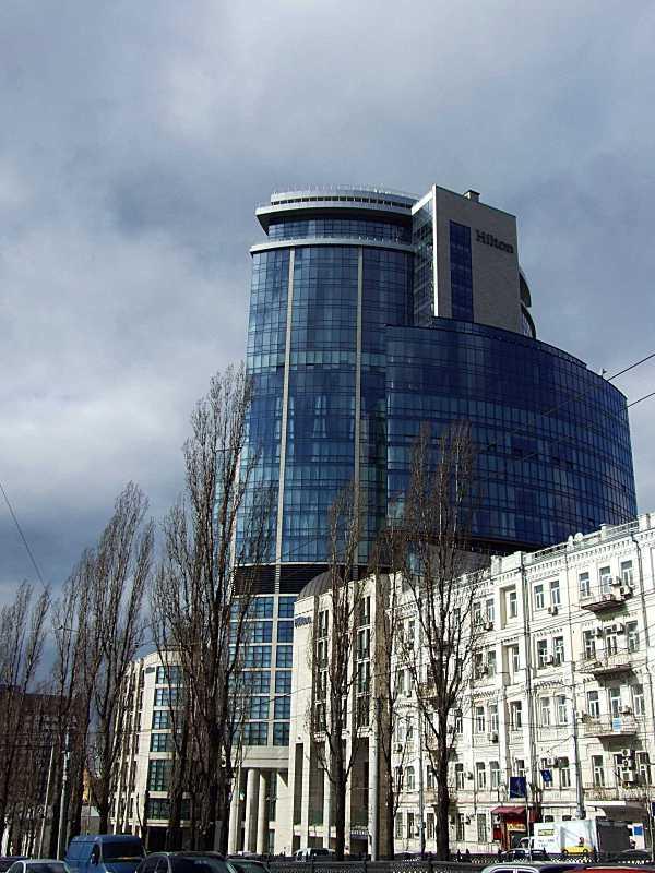 Готельно-офісний комплекс (№ 28 – 30)