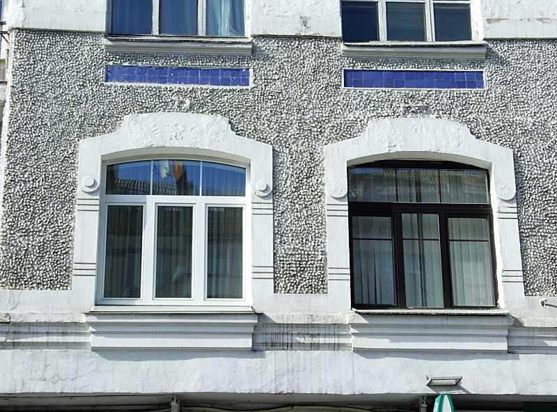 Сецесійні вікна 2-го поверху