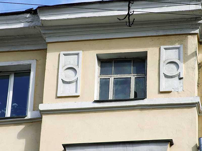 Вікно 5-го поверху сходової клітки